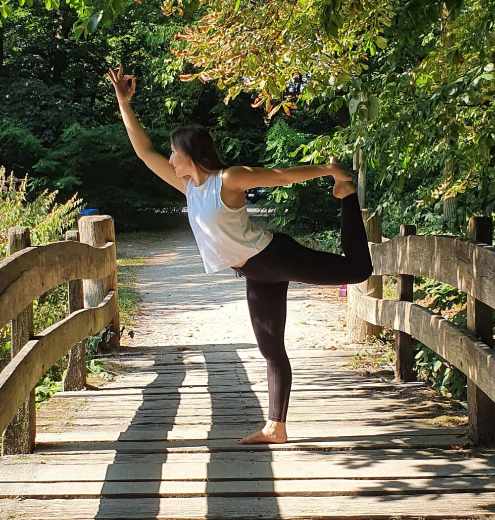 Yoga teacher Anja Villaverde in dancer pose